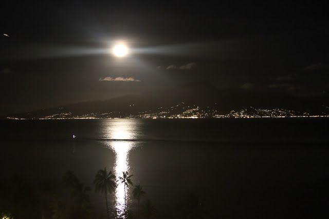 Moana iti: Tahitian Moon