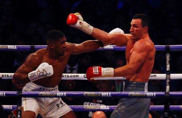 Streaming knockout: Boxing fan hit with $115000 bill after friend streamed fight on Facebook Live A British boxing fan was hit with a $115000 bill after a friend of his streamed the April 2017 Anthony Joshua/Wladimir Klitschko fight on Facebook Live.