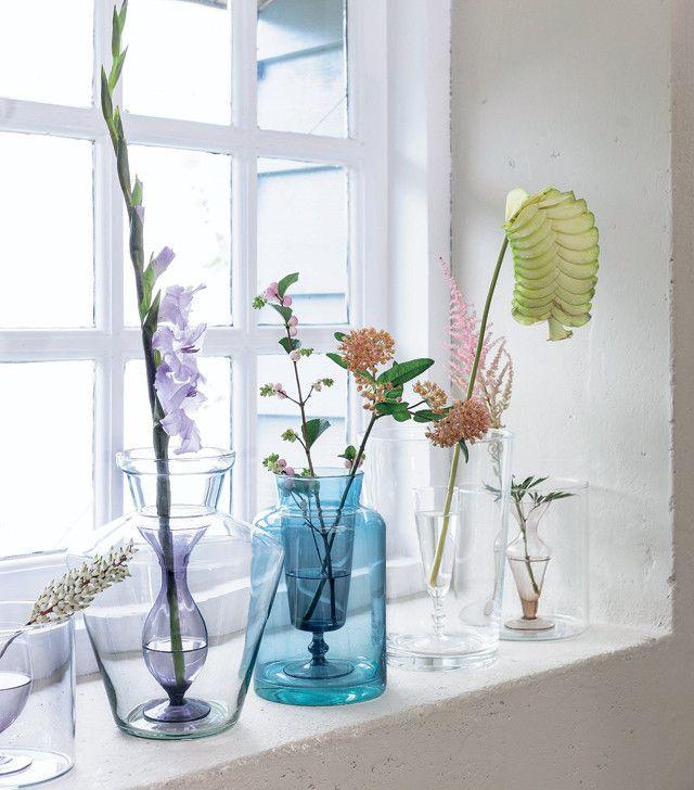 DIY vase #glass #vase #flowers - Zelfmaakidee: Glas-in-vaasvaas #glazen #vaas Kijk op www.101woonideeen.nl