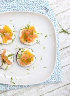 Und allabendlich grüßt das Butterbrot? Heute mit Orangen-Lachs-Pumpernickel für den kleinen Hunger.