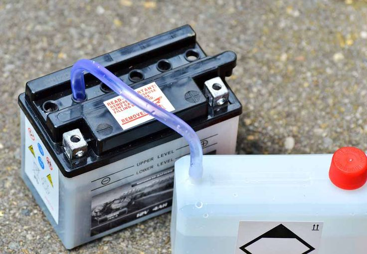 How to recondition a car battery at home using simple and cheap tools.