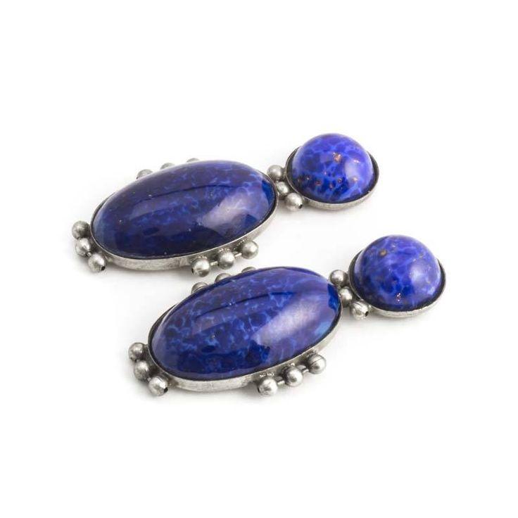 De Luxe Donker blauwe oorbellen in art deco stijl