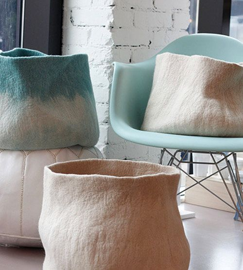 would LOVE to figure out how to make these felt baskets ... any felt geniuses want to help??? (@Jennifer Forbes?)