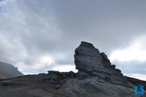 """Unica formațiune de stâncă """"Sfinxul"""" din Parcul Natural Bucegi, numit dupa Sfinxul din Egipt"""