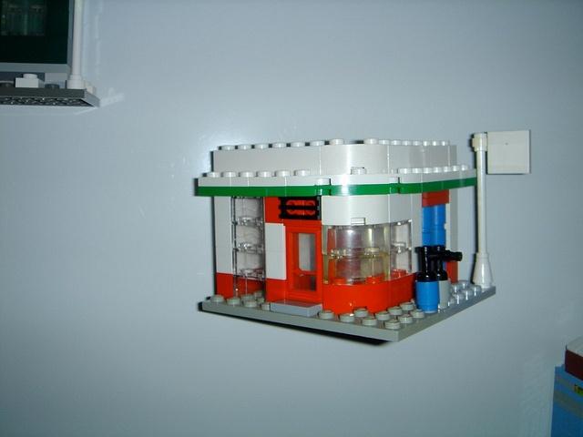 Gasstation mini scale fridgemagnet based on the 10184: Town Plan