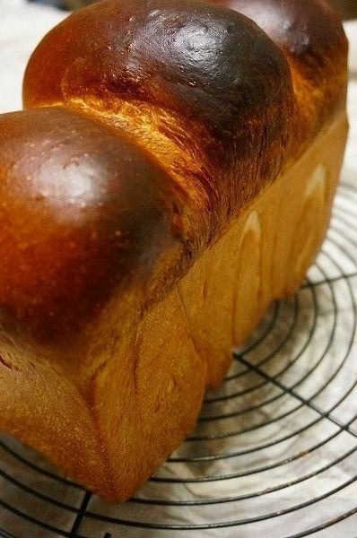 ホテルブレッド イギリスパン レーズン酵母でぶどう食パン by ...