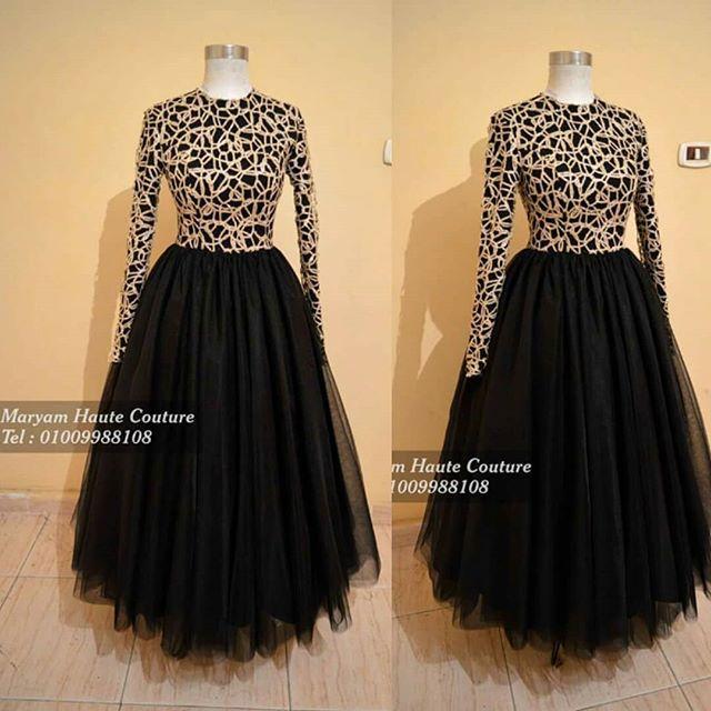 فستان اسود ف ذهبي شانيل متاح للإيجار أو البيع لأي استفسار ابعتيلنا واتساب رقم 01009988108 Dresses Designer Dresses Evening Dresses