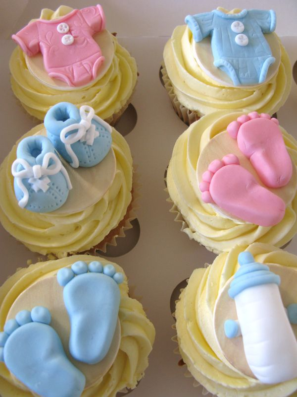 baby cupcakes.................footsies........LOVE                                                                                                                                                                                 More