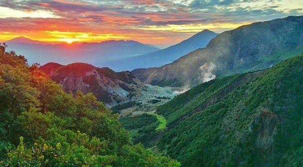 Terpopuler 30 Panorama Alam Camping Ground Bogor Jawa Barat Tempat Wisata Di Garut Yang Menyuguhkan Panorama Alam Ind Di 2020 Pemandangan Wisata Asia Paradise Island