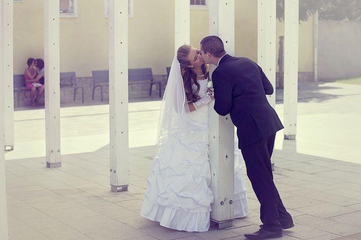 www.fmanafoto.hu    wedding photo, esküvő fotózás, szabadtéri fotózás, csók, kiss