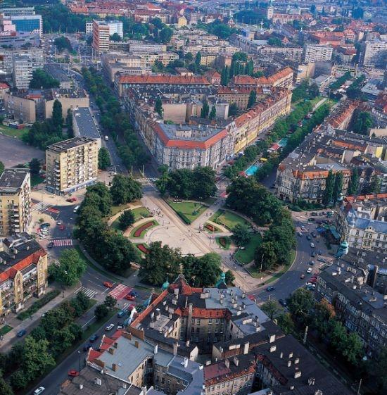 Grunwaldzki Square - similarity to Paris