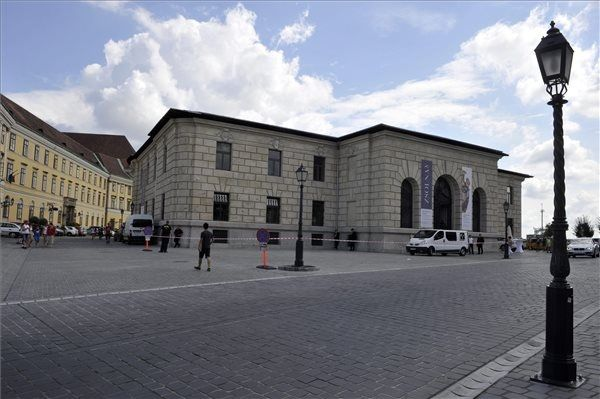 Budapest: Átadták a volt Honvéd Főparancsnokság épületét