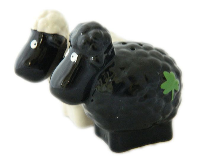 Irlandés De Cerámica Blanco Y Negro ovejas Sal Y Pimienta Shakers Shamrock 7001 | Objetos de colección, Adornos de colección, Saleros y pimenteros | eBay!