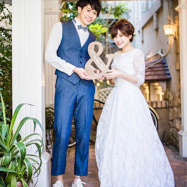 素敵な写真♡ . 二人の笑顔が素敵♡ 笑顔はこちらまで幸せな気持ちにしてくれます。 weddingは主役の二人はもちろん、 まわりの人やゲストまで幸せな気持ちにしてくれる 素敵なイベント♡ . みなさんも結婚式楽しんで下さいね! . 二人とも当店の商品です! 店頭にてお試し下さいね♡ . . #ザドレスルーム#ウェディングドレス #ナチュラルウェディング#ガーデンウェディング #リゾートウェディング#アウトドアウェディング #フォトウェディング#ドレス #シンプルドレス#カジュアルドレス #ナチュラルドレス#セパレートドレス #2次会ドレス#花嫁#プレ花嫁 #結婚式準備#結婚式#試着#ドレスショップ #海外ウェディング#袖付きドレス#前撮り #thedressroom#wedding#crazywedding #originalwedding#gardenwedding#photowedding #blancoco#ブランココ