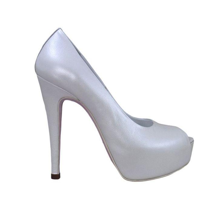 Pantofi decupati din piele alb sidef