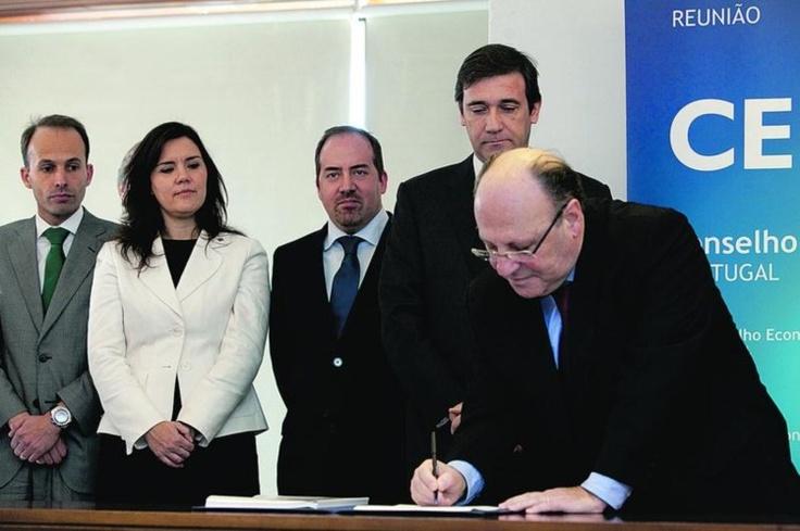 João Proença deixa UGT em clima de alta tensão com o Governo