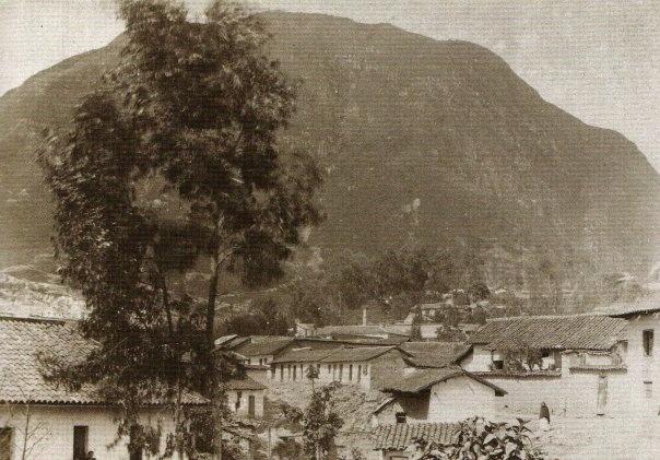 1898, Barrio de las Aguas.- Bogotá, Colombia - Foto de Henry Duperly