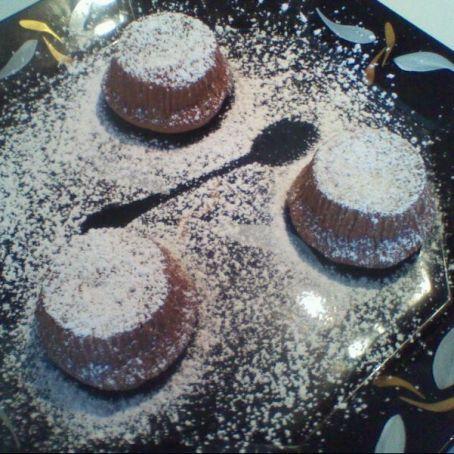 Tortini alla Nutella dal cuore morbido http://www.tribugolosa.com/ricetta-48409-tortini-alla-nutella-dal-cuore-morbido-by-bi.htm