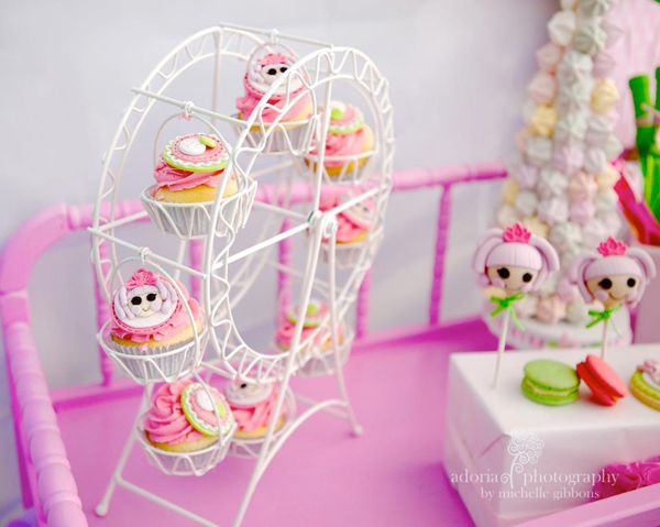 I love this FERRIS WHEEL CUPCAKE HOLDER from a Lalaloopsy Cake Decorating Birthday Party! Found via KarasPartyIdeas.com #lalaloopsy #party #ideas #Planning #Idea #cupcake