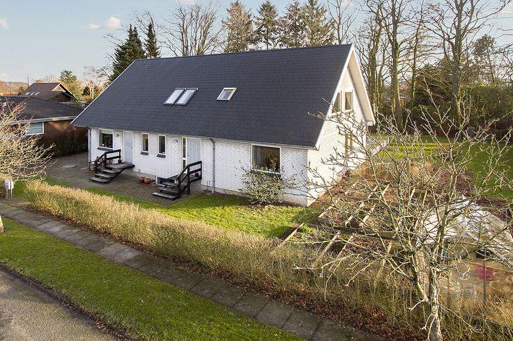 Lækkert og børnevenligt hus til salg i Glamsbjerg i lukket vænge tæt på skoler og fritidsaktiviteter. 20 minutters kørsel fra Odense og Assens.