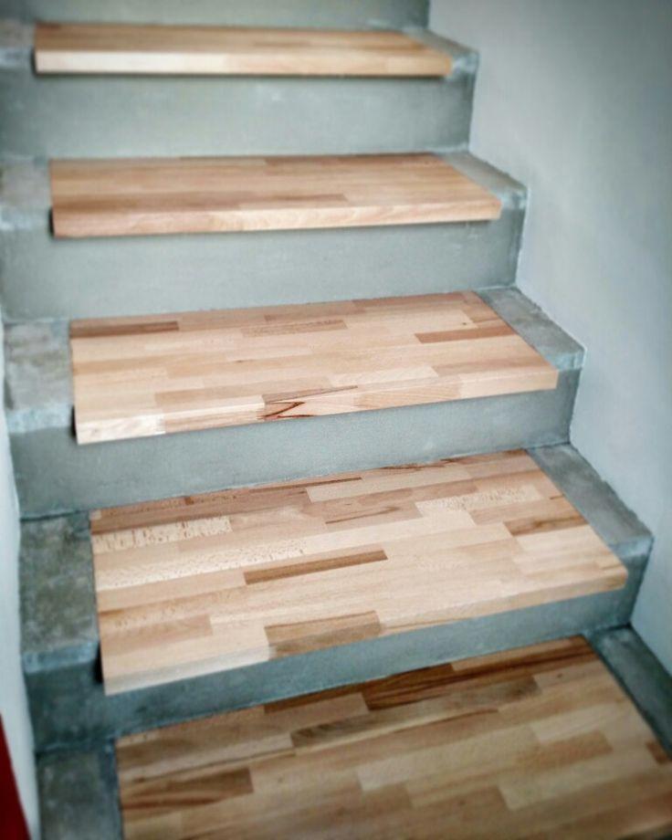 un po' di mani di #vetrificante sul #cemento e #scala in #faggio è finita! #stair #wood #concrete