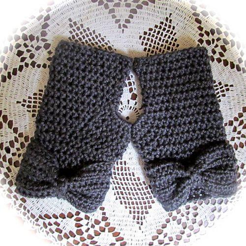 Ravelry: LBK63's Fingerless Gloves with a Bow-free pattern ╭⊰✿Teresa Restegui http://www.pinterest.com/teretegui/✿⊱╮