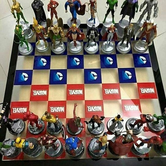 Best thing i ever saw.. I want this badly ❤ #marvel #dc #chessboard #batman…
