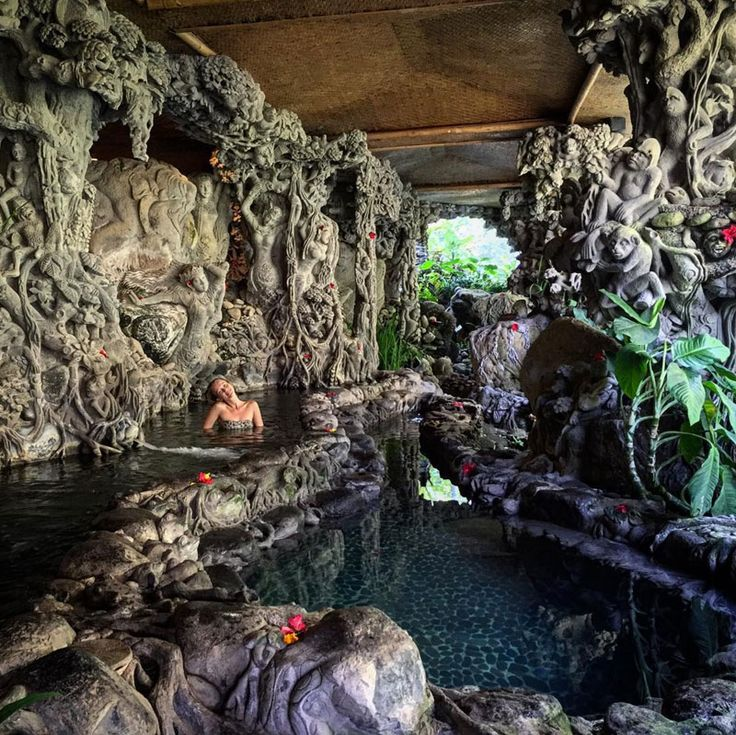 Here's a list of handpicked affordable, and luxurious day spas for getting a massage in Bali with amazing views!