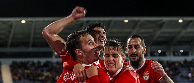 Treinador do Benfica não pode contar com o lateral esquerdo, que se junta a Fejsa, também entregue ao departamento médico. Alex Grimaldo é a mais recente d