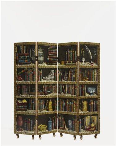 Strumenti musicali e libri paravento di Piero Fornasetti