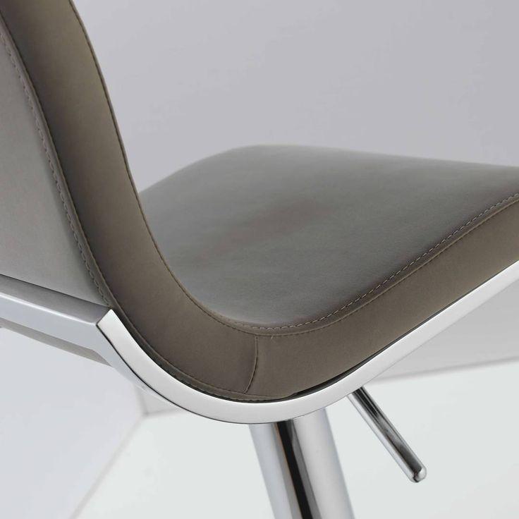 #dettagli di #design, #qualità #madeinitaly #sgabello modello STEVE, base a colonna centrale, girevole, regolabile in altezza #chairsoutlet www.chairsoutlet.com