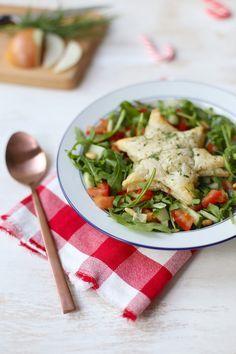 Gevulde bladerdeegsterren met salade