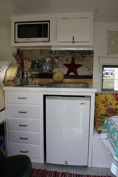 vintage camper kitchen-  perfect!  All I want is a frig and a microwave!  I'd even loose the sink!