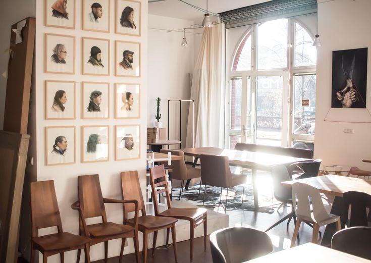 MBzwo Tische Nach Maß. Unser Showroom In Berlin Bei Sonne. #massivholz  #esszimmertisch