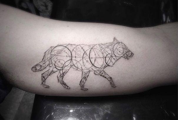 Brian Woo's geometrische tatoeages