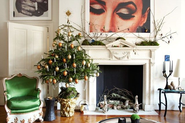 'Your tree should be proportional to the size of your room, yet also significant and impactful,' says designer Francis Sultana of the scheme in his London home which he shares with his partner, the gallerist David Gill.