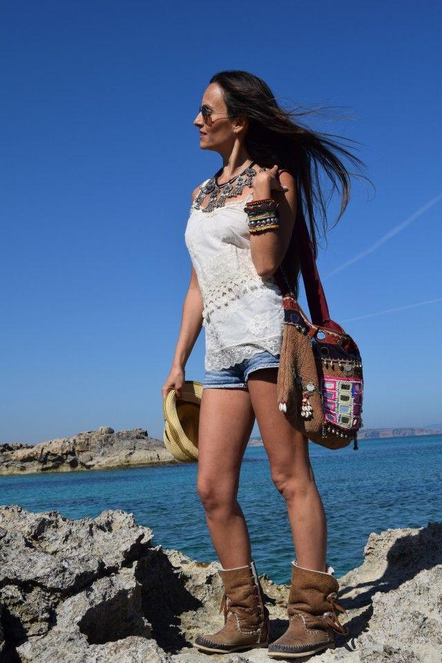 On Ibiza Clouds Top Linnea Ibiza Boots Hector Riccione www.onibizaclouds.com