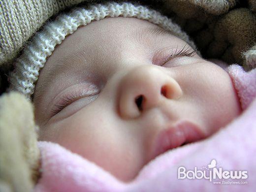 아기 혼자 잠들게 하는 수면 교육 14단계