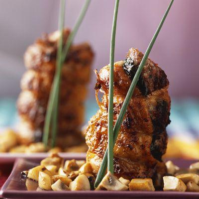Découvrez la recette ailes et cuisses de poulet farcies sur cuisineactuelle.fr.