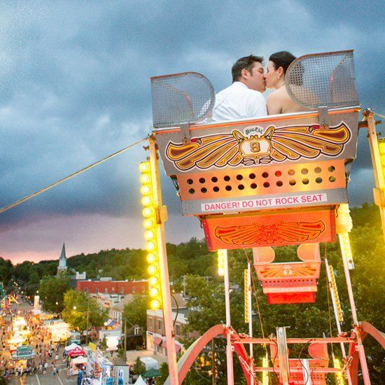 A delightfully classic wedding at Robbins Hunter Museum with plus a carnival!