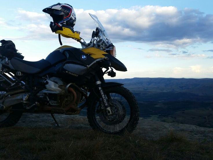 Adventure biking with 1200gsa on Normandien Pass