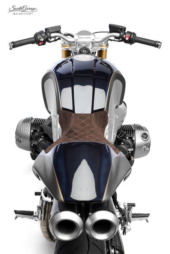BMW R Nine T Custom. Twin tail pipe