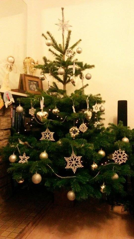 #snowflakes #tatting #christmastree #whitechristmas #ornaments #frywolitka #choinka #gwiazdki https://www.facebook.com/NiezwyklaProjektownia