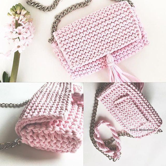 А ещё у сумочки есть кармашек  #summer_bag_vikabibikova для заказа просьба писать Директ или ватсап