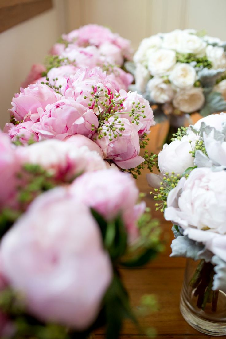 Bride's and bridesmaid bouquet, gorgeous peonies