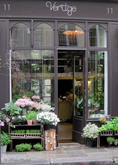 Vertige, a wonderful flower shop in the Marais district of Paris.