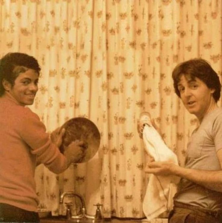 I love it! Paul McCartney and Michael Jackson doing the dishes.