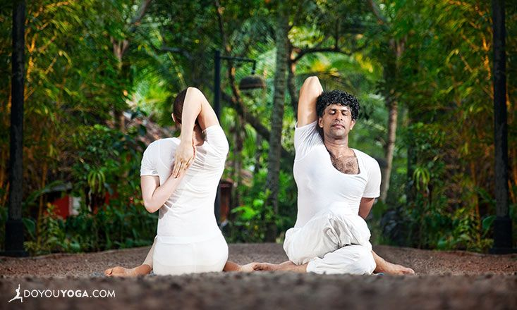 Set the tone for your private #yoga lessons by asking the right questions! Learn how here :-) http://www.doyouyoga.com/the-tool-that-sets-the-tone-for-private-yoga-lessons-85173/