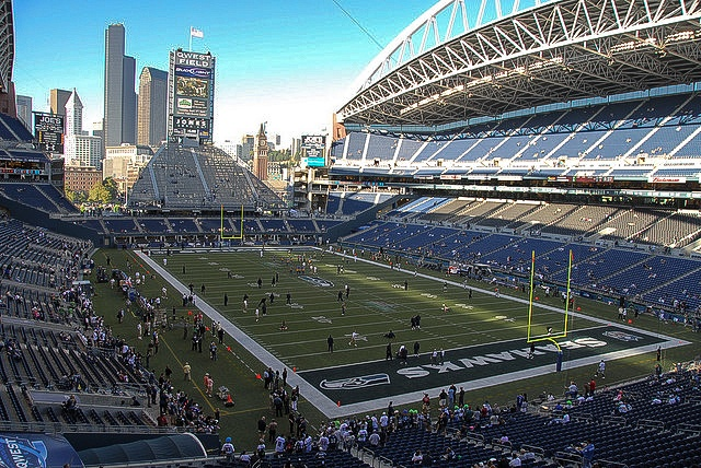 Vikings vs Seahawks, along with the beer and food you need for this weekend's games...Friday Football Fix: Week 9