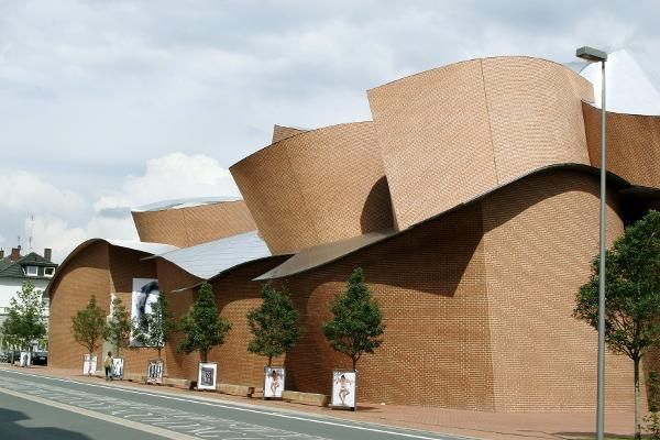 Famous Architecture Buildings  #Foster #Norman Pinned by www.modlar.com